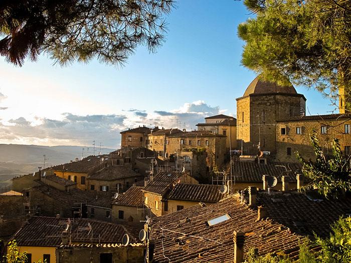 Volterra Travel Guide