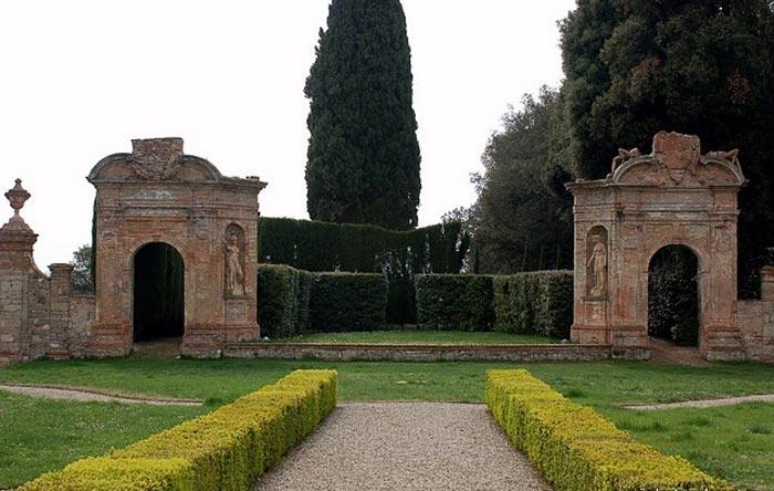 Films Set In Tuscany Stealing Beauty Io Ballo Da Sola Bernardo