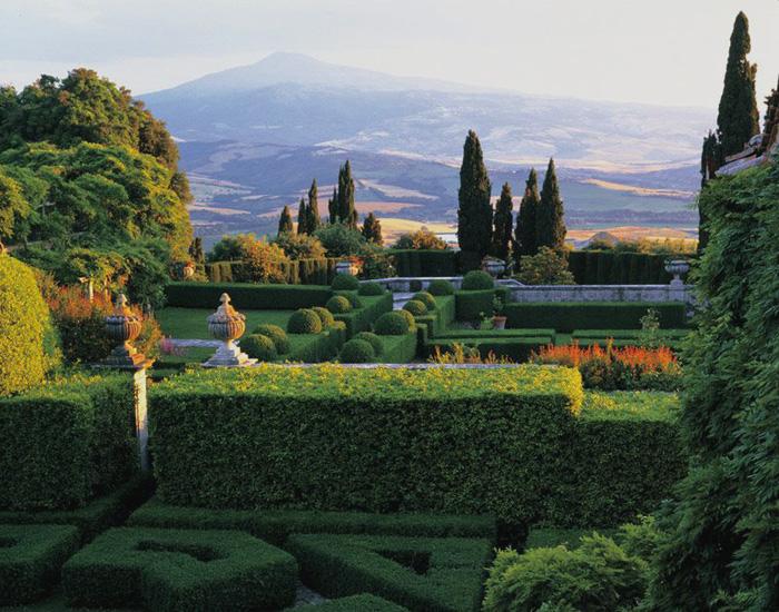 Slow traveling in Tuscany | Gardens in Tuscany | Villa La Foce ...