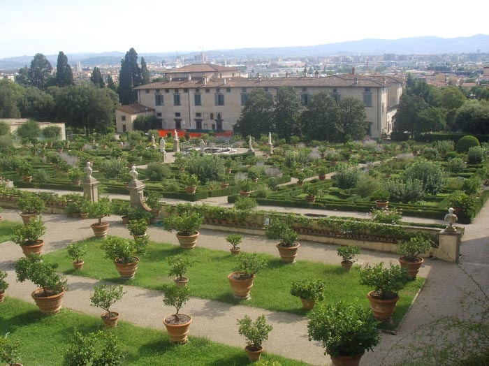 The Complete Guide to Tuscany | Gardens in Tuscany | Parco di Villa ...