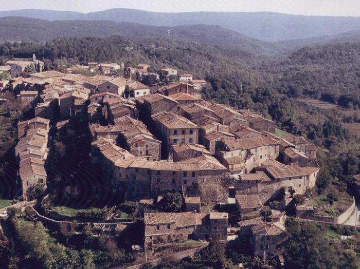 The Complete Guide to Tuscany | Monticiano and I Bagni di Petriolo ...