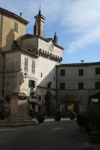 Scansano, ingresso del centro storico, Porta Grossetana